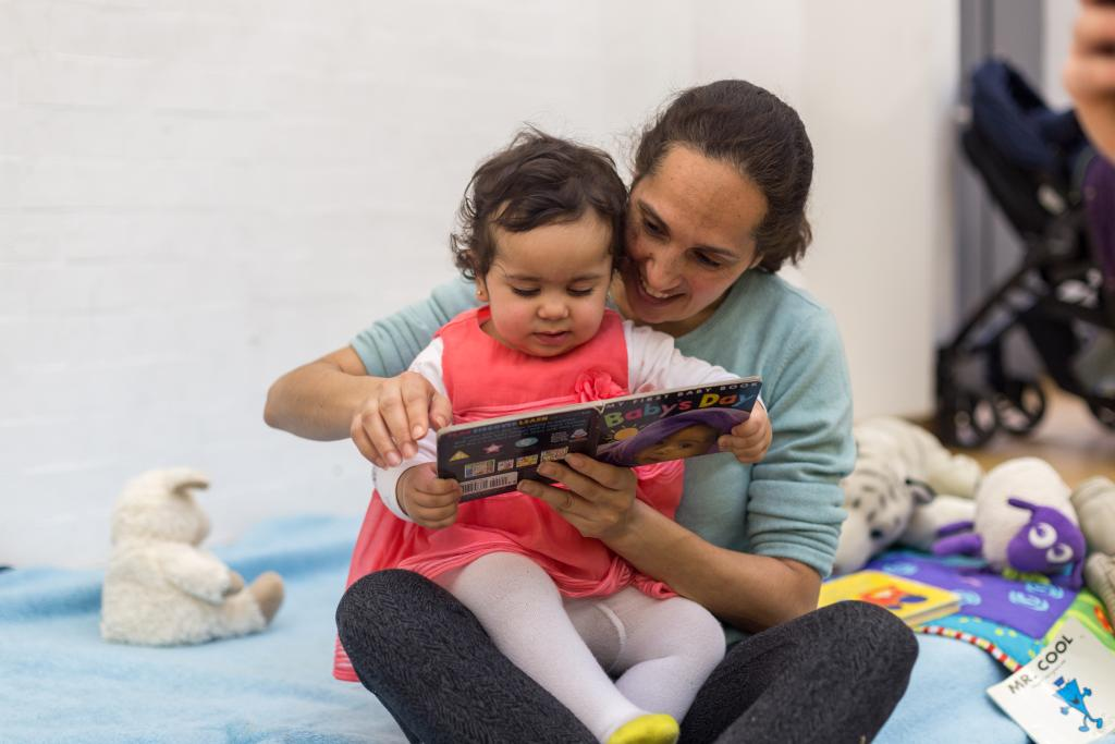 Teaching reading to a refugee child
