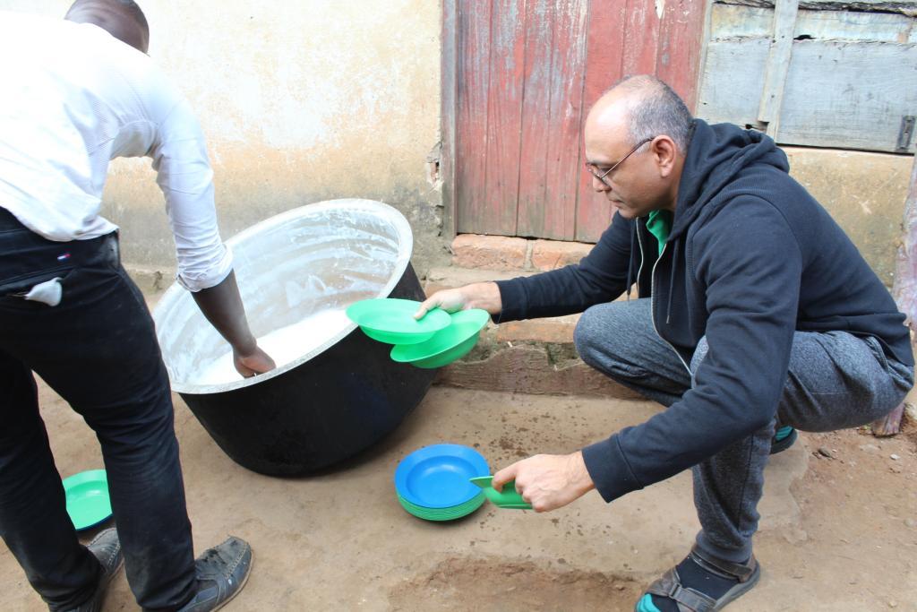 Mayoor serving porridge